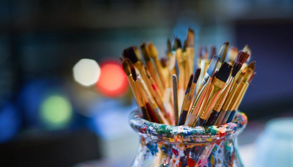 brushes-3129361