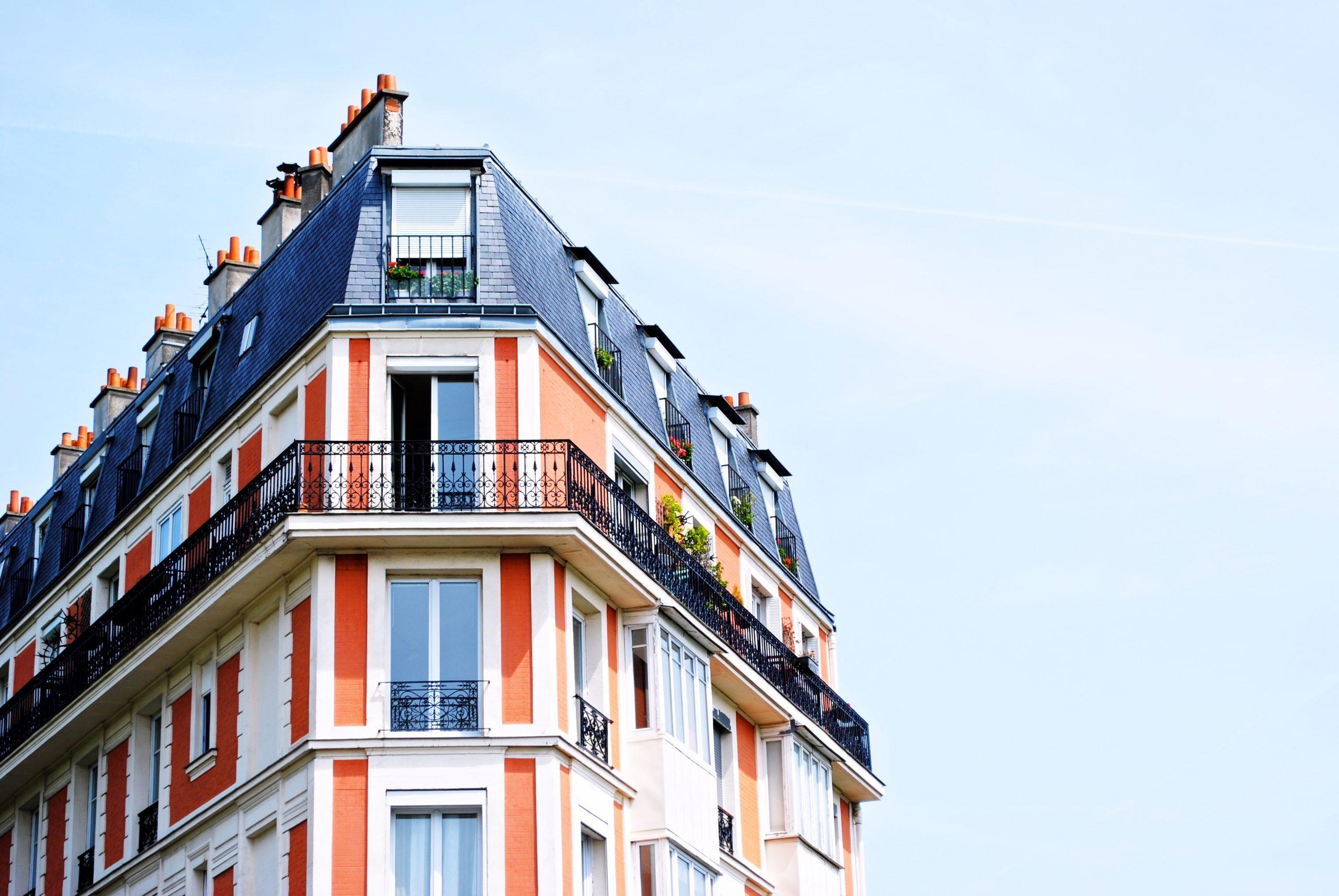 apartment-building-1149751